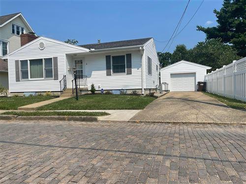 Photo of 2 S Catherine Street, Mount Vernon, OH 43050 (MLS # 221025006)