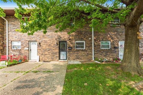 Photo of 1313 Woodbrook Lane, Columbus, OH 43223 (MLS # 220033007)