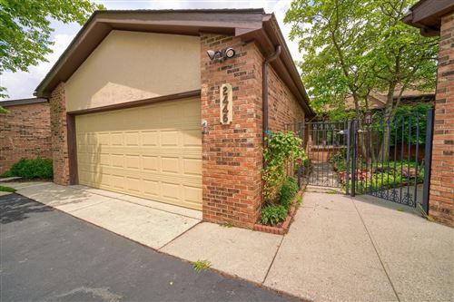 Photo of 2446 Sherwood Villa #7, Upper Arlington, OH 43221 (MLS # 221020015)