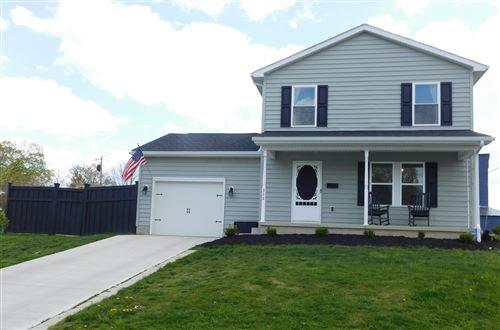 Photo of 322 S Plum Street, Marysville, OH 43040 (MLS # 221012026)