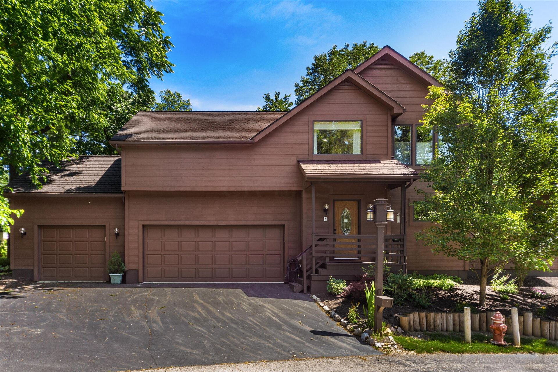 Photo of 482 Beachside Drive, Westerville, OH 43081 (MLS # 221022033)