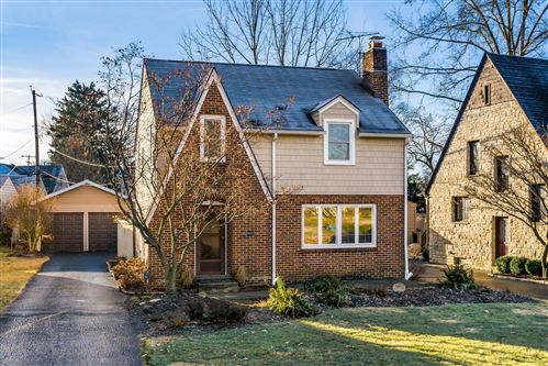 Photo of 31 W Torrence Road, Columbus, OH 43214 (MLS # 221041041)