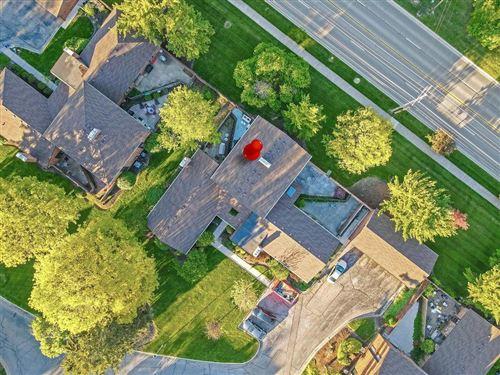 Photo of 4256 Chaucer Lane, Columbus, OH 43220 (MLS # 221016061)