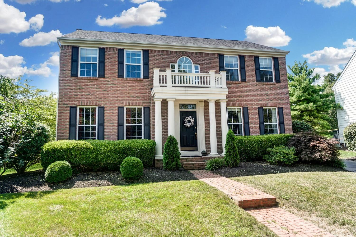 Photo of 187 Chasely Circle, Powell, OH 43065 (MLS # 221029062)