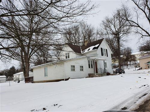 Photo of 301 Locust Street, Mount Vernon, OH 43050 (MLS # 221004064)