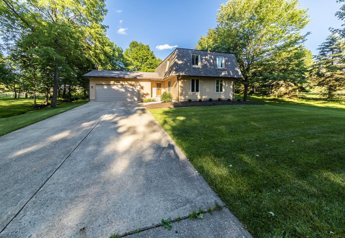Photo for 7446 Bevelhymer Road, New Albany, OH 43054 (MLS # 221023066)