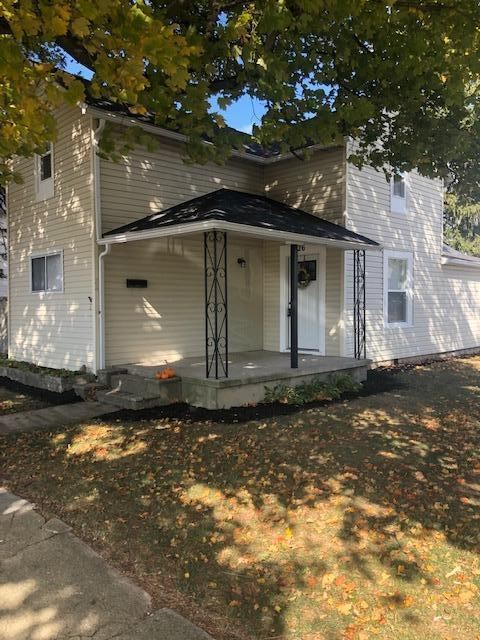 Photo for 26 Railroad Street, Jeffersonville, OH 43128 (MLS # 219040068)