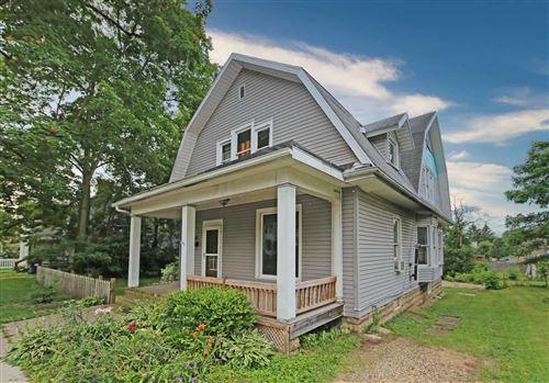 Photo of 202 E Burgess Street, Mount Vernon, OH 43050 (MLS # 221023072)