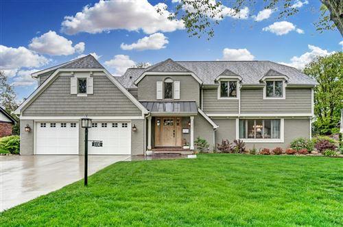 Photo of 1330 Carron Drive, Upper Arlington, OH 43220 (MLS # 221015075)