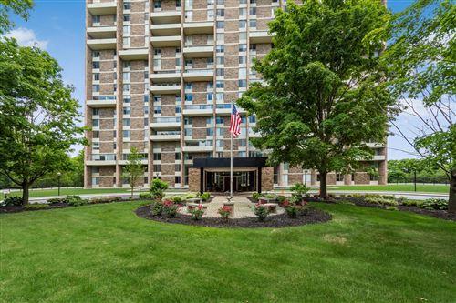 Photo of 1000 Urlin Avenue #908, Grandview Heights, OH 43212 (MLS # 220023083)