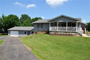 Photo of 1378 Coonpath Road NW, Lancaster, OH 43130 (MLS # 219026095)