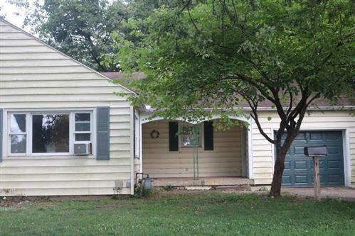 Photo of 720 Coshocton Avenue, Mount Vernon, OH 43050 (MLS # 220029097)