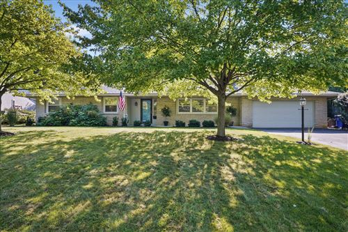 Photo of 3908 Overdale Drive, Upper Arlington, OH 43220 (MLS # 221033105)