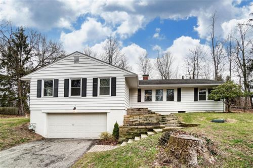 Photo of 3 Sunset Hill, Granville, OH 43023 (MLS # 220000106)