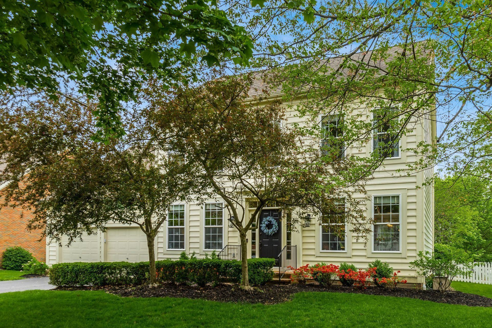 Photo of 7385 Hampsted Square Square N, New Albany, OH 43054 (MLS # 221014142)