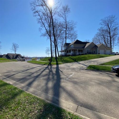 Photo of 147 Quailrun Road, Thornville, OH 43076 (MLS # 221009143)
