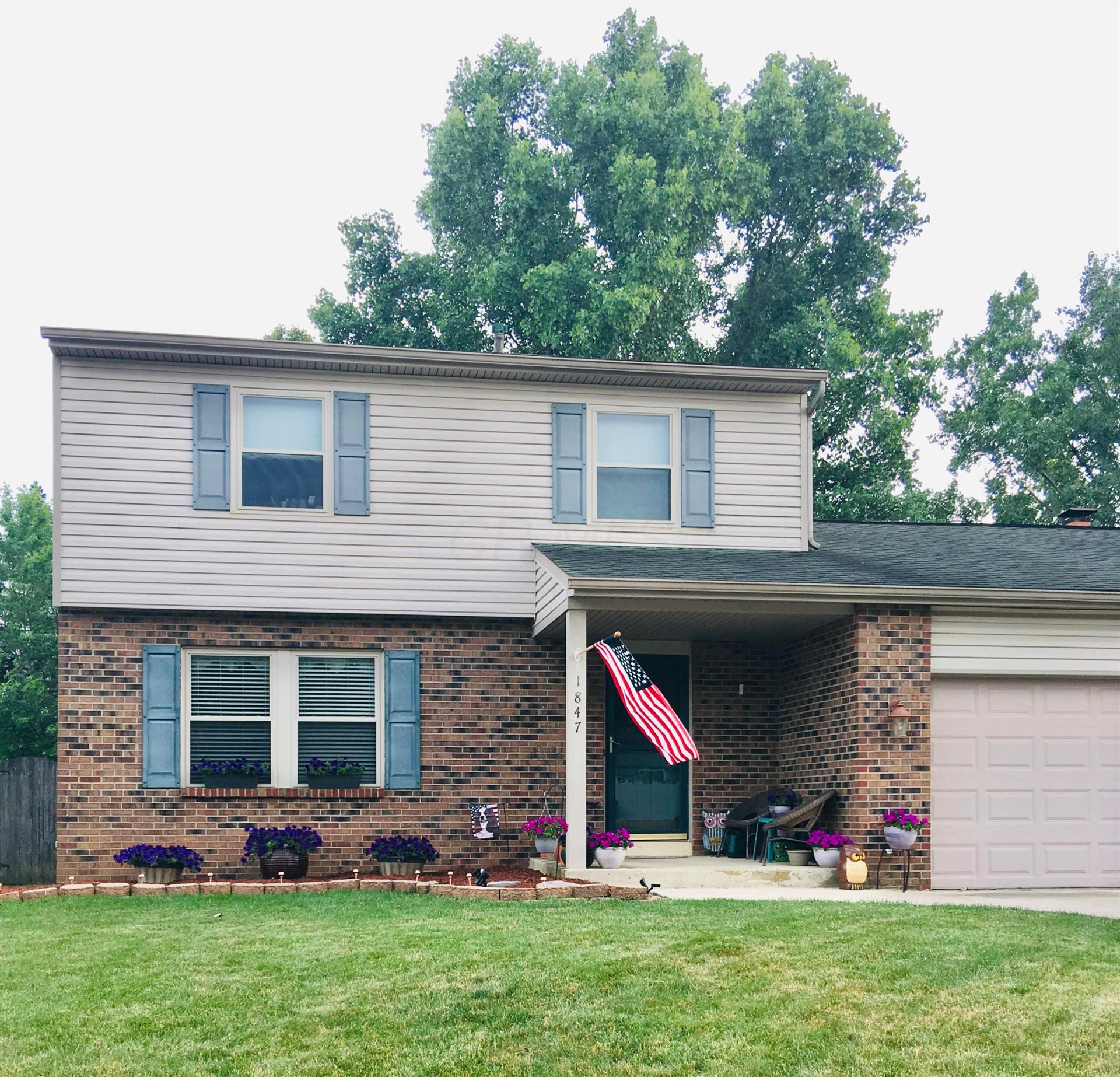 Photo of 1847 Seabright Court, Powell, OH 43065 (MLS # 220038211)