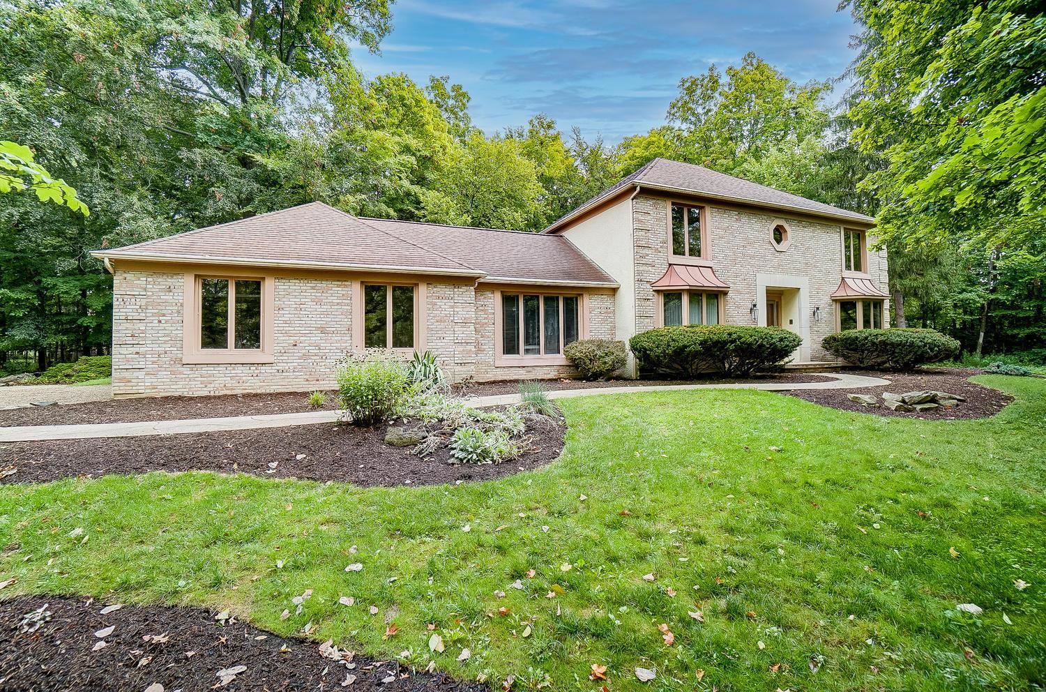 Photo of 4770 Cascade Drive, Powell, OH 43065 (MLS # 221029231)