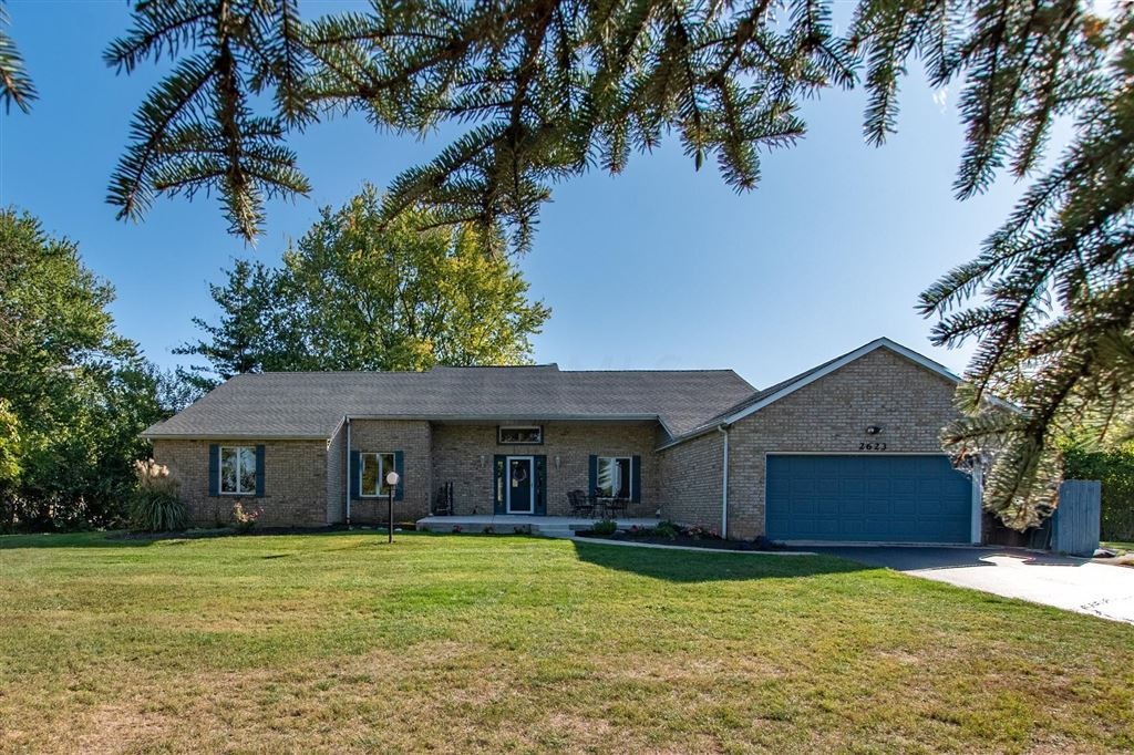 Photo for 2623 Cayuse Drive, London, OH 43140 (MLS # 219038235)
