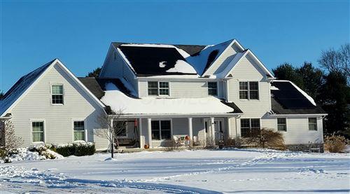 Photo of 109 Fox Den Court, Granville, OH 43023 (MLS # 220044237)