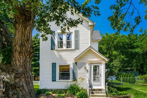 Photo of 90 W Lakeview Avenue, Columbus, OH 43202 (MLS # 221021238)