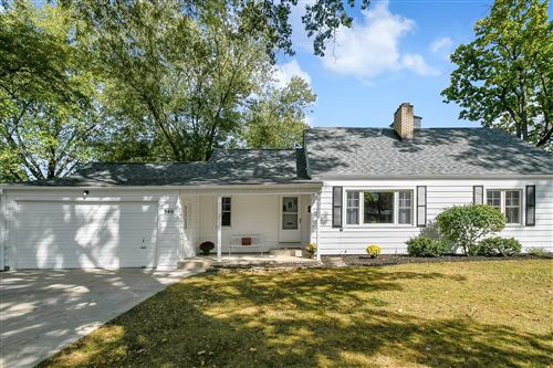 Photo of 340 Canyon Drive S, Columbus, OH 43214 (MLS # 220034242)