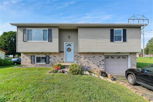 Photo of 570 Derby Downs Road, Newark, OH 43055 (MLS # 221031254)