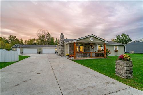 Photo of 5382 Kirkwood Drive, Grove City, OH 43123 (MLS # 221042263)