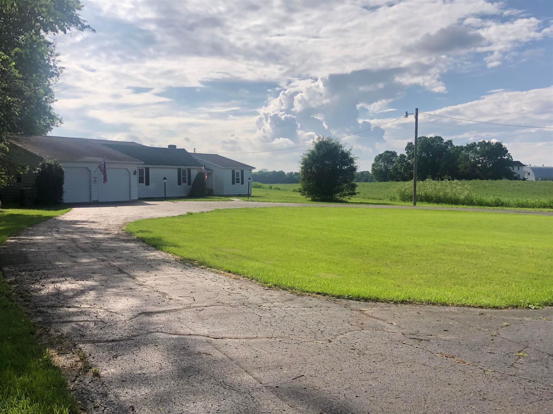 Photo for 12981 US Highway 23, Ashville, OH 43103 (MLS # 221020263)