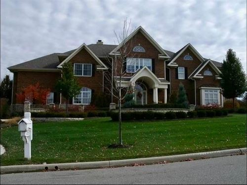 Photo of 6721 Lake Trail Drive, Westerville, OH 43082 (MLS # 220023268)