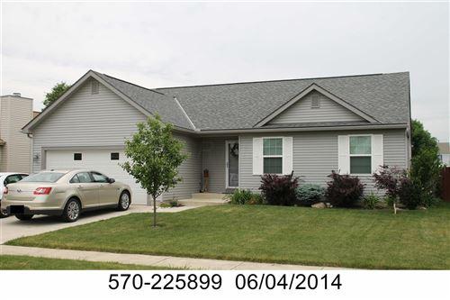 Photo of 2203 Deveron Lane, Grove City, OH 43123 (MLS # 220041275)