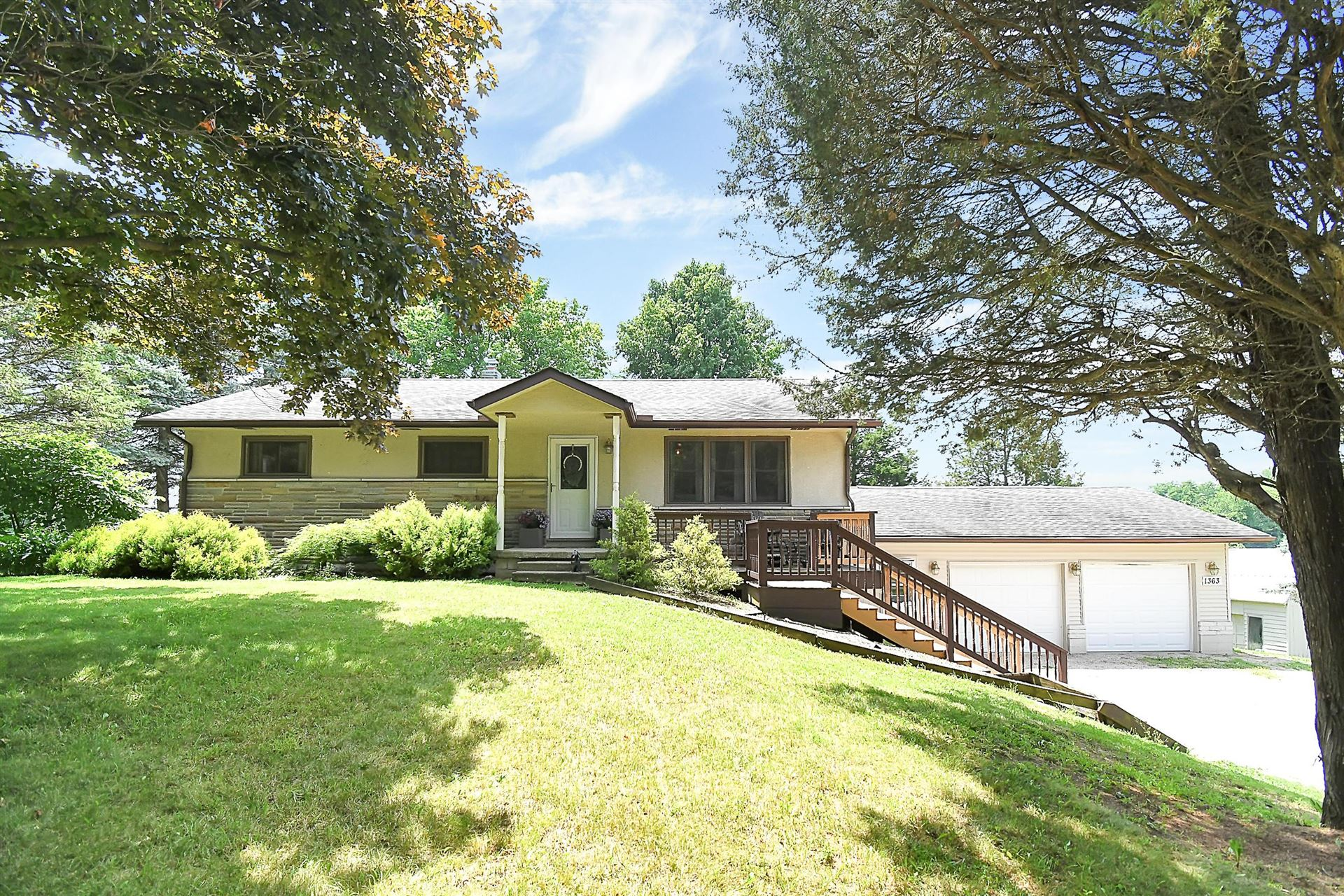 Photo of 1363 Buttermilk Hill Road, Delaware, OH 43015 (MLS # 221028297)