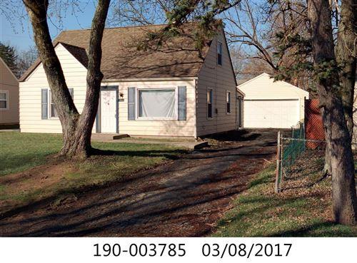 Photo of 3033 Woodland Avenue, Columbus, OH 43224 (MLS # 221006301)