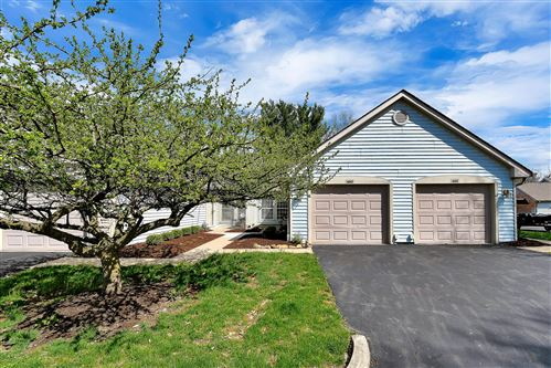 Photo of 490 Three Oaks Court, Columbus, OH 43230 (MLS # 220011306)