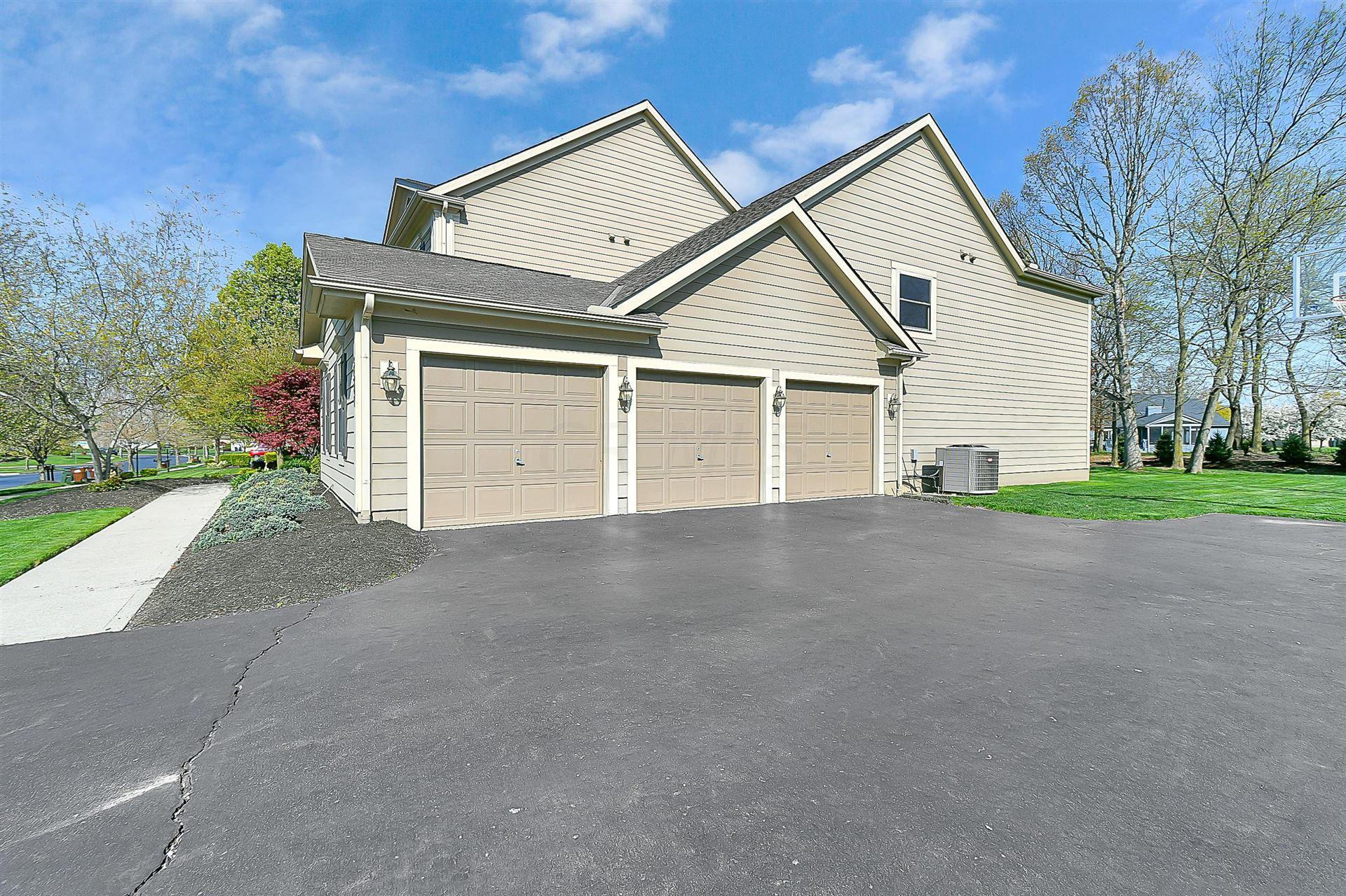 Photo of 5587 Bayside Ridge Drive, Galena, OH 43021 (MLS # 221012316)