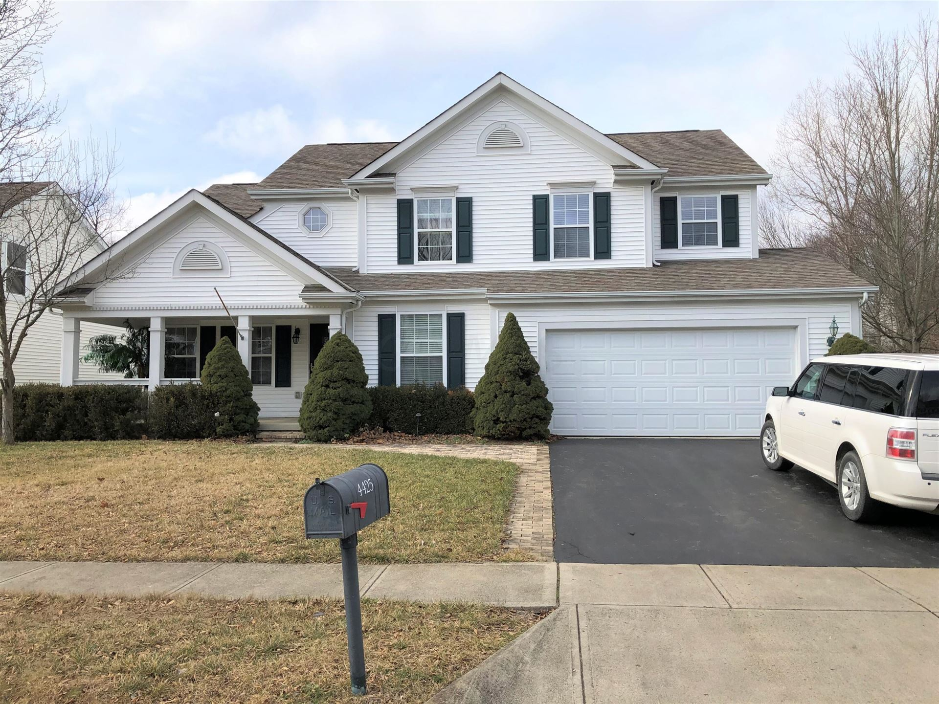 Photo of 4425 Oaks Shadow Drive, New Albany, OH 43054 (MLS # 221040319)