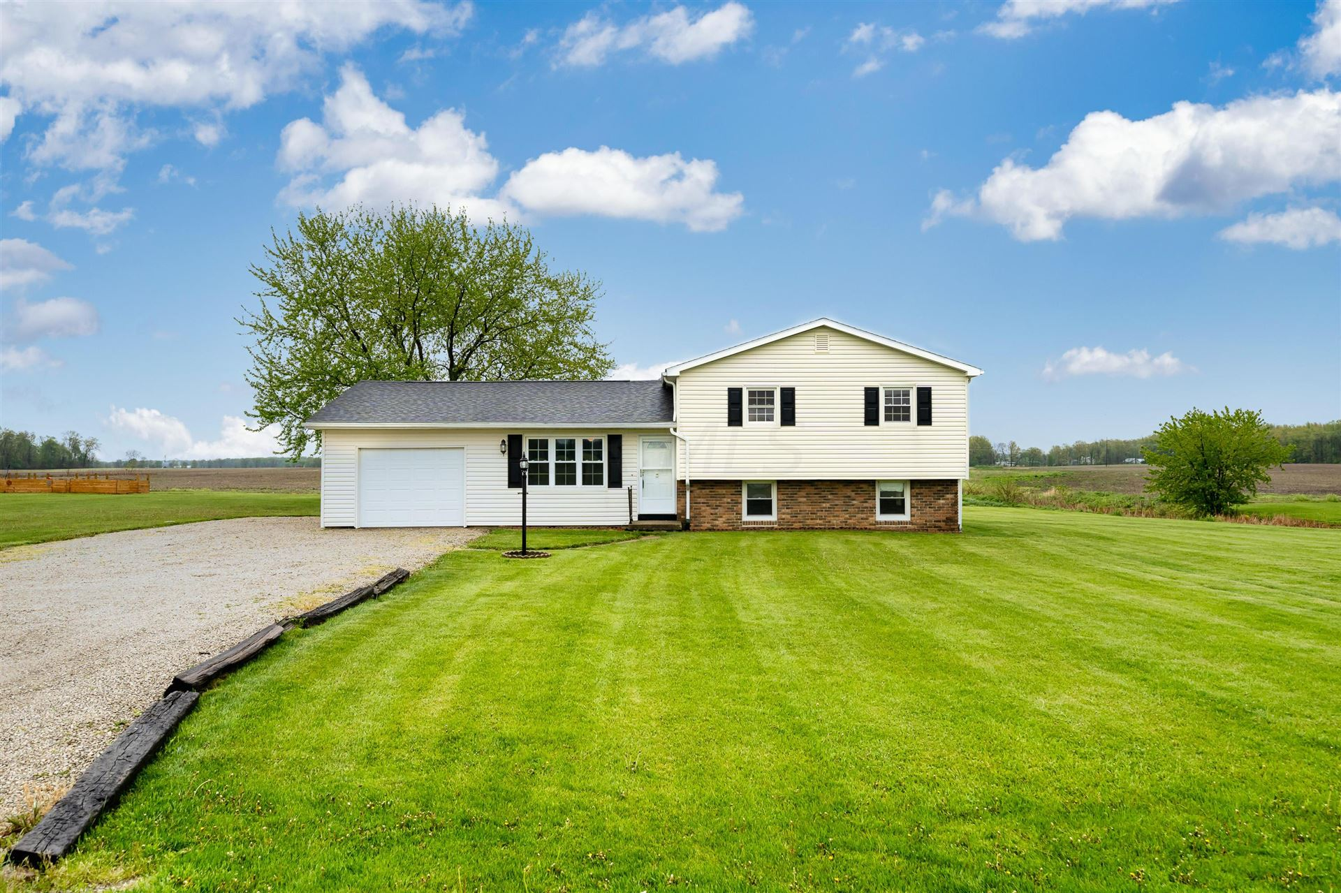 Photo for 2263 Township Rd 21, Ashley, OH 43003 (MLS # 221014333)