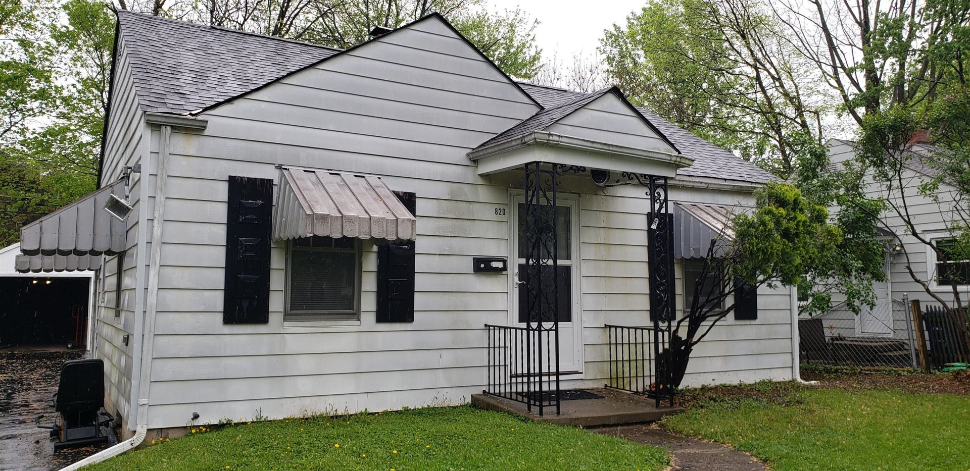 Photo for 820 S Chesterfield Road, Columbus, OH 43209 (MLS # 221014334)