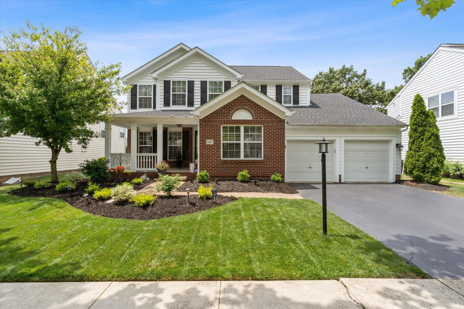 Photo for 5697 Sugarwood Drive, New Albany, OH 43054 (MLS # 221025343)