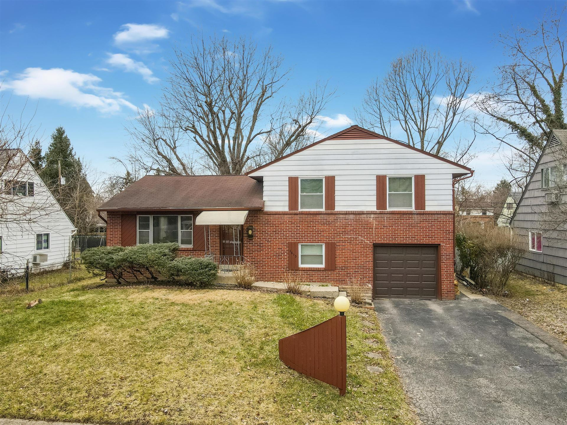 Photo for 1615 Baxter Drive, Columbus, OH 43227 (MLS # 221014350)
