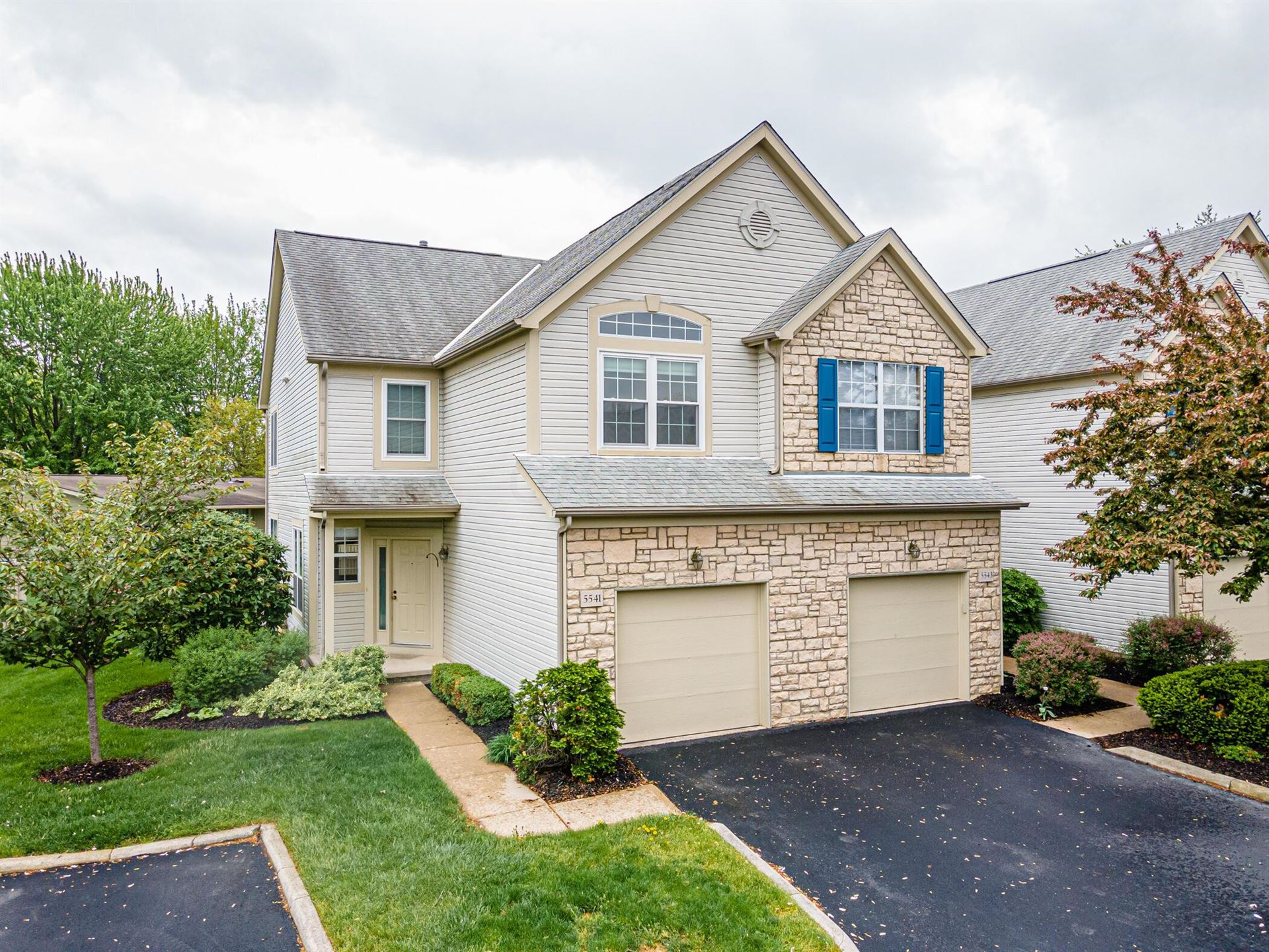 Photo for 5541 Village Crossing, Hilliard, OH 43026 (MLS # 221014354)