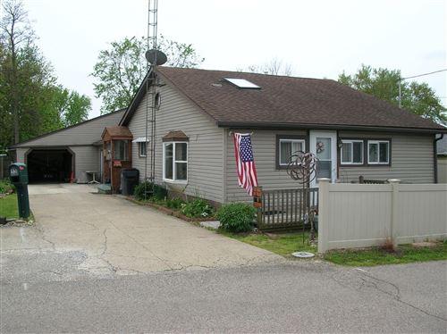 Photo of 55 W 5th Street, Buckeye Lake, OH 43008 (MLS # 220015356)