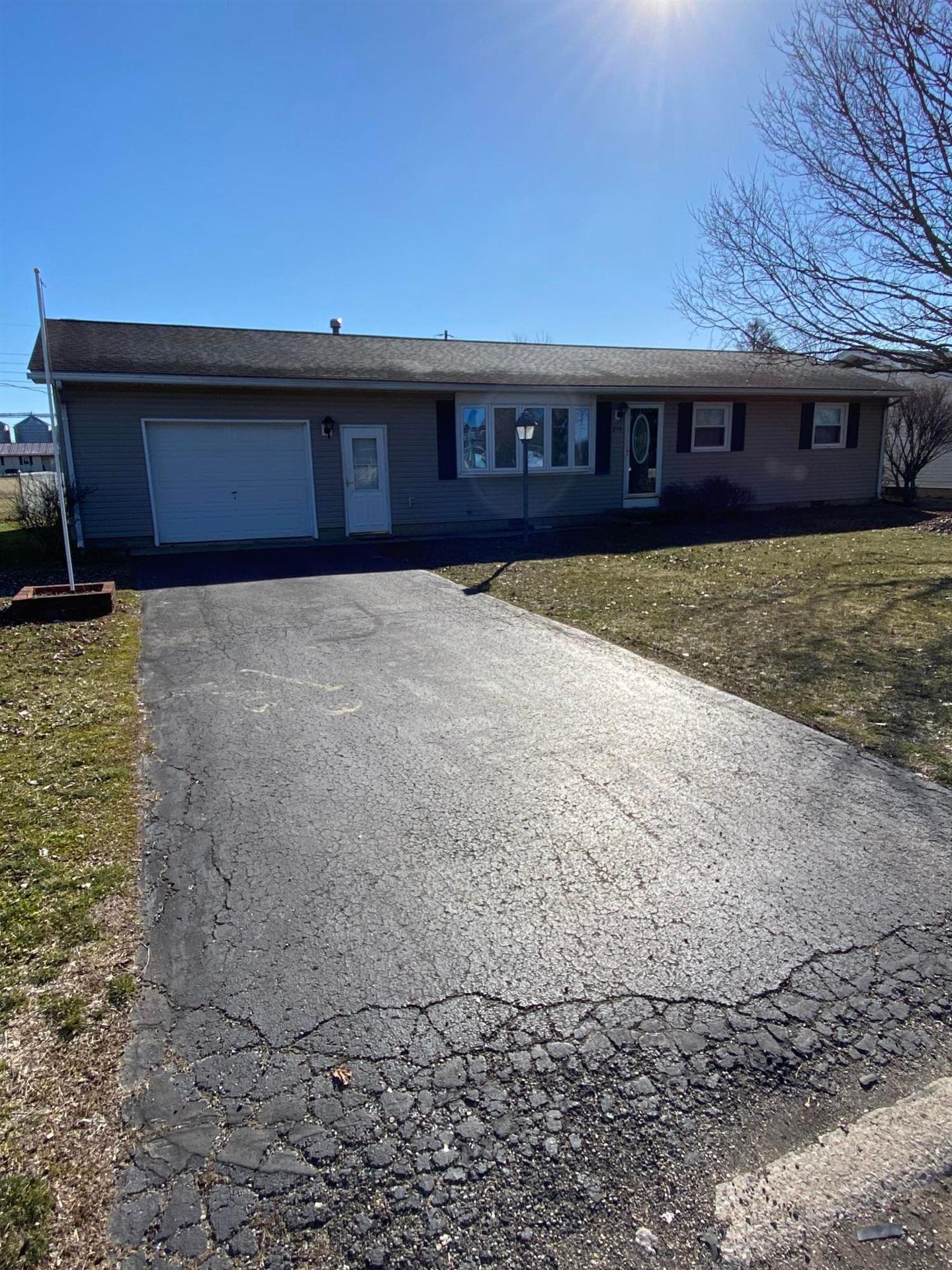 Photo for 216 S Allen Street, Williamsport, OH 43164 (MLS # 221006357)
