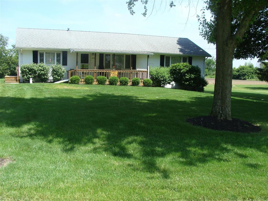 Photo for 4435 Roberts Mill Road, London, OH 43140 (MLS # 219020364)