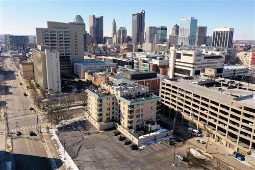 Photo of 196 S Grant Avenue #605, Columbus, OH 43215 (MLS # 221005371)