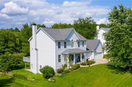Photo of 1733 Berkshire Drive, Heath, OH 43056 (MLS # 221026374)
