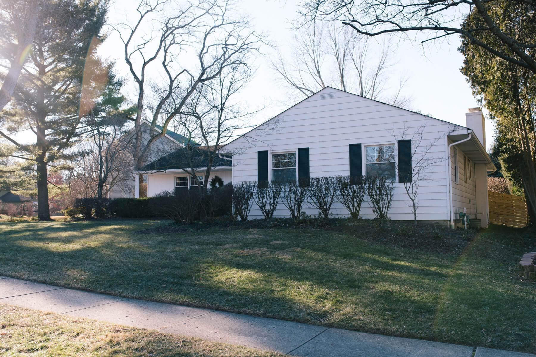 Photo of 179 Sinsbury Drive N, Worthington, OH 43085 (MLS # 221002376)