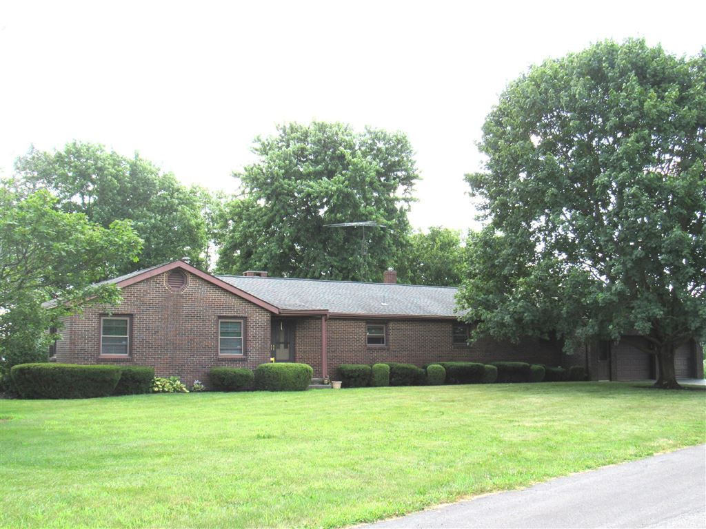 Photo for 330 Northview Drive, London, OH 43140 (MLS # 219027382)