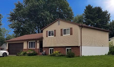 Photo of 2855 Chimney Point Drive, Columbus, OH 43235 (MLS # 221029386)