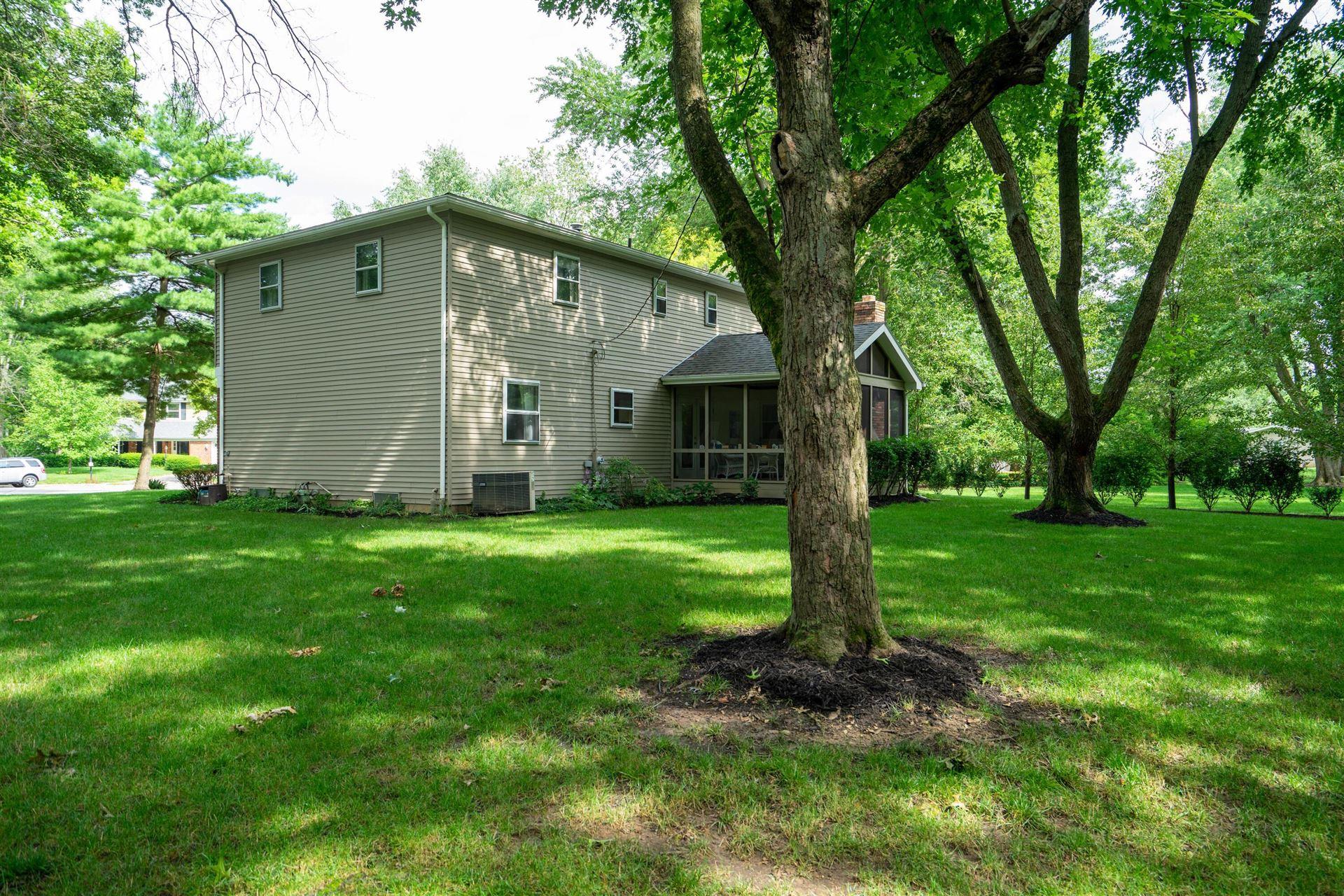 Photo of 6953 Village Woods Place, Worthington, OH 43085 (MLS # 221026393)